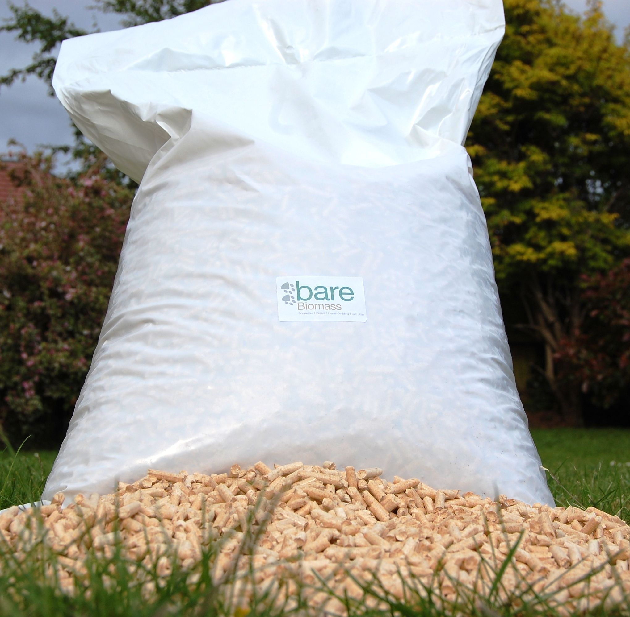 15kg bag of wood pellets for horse bedding. Equates to