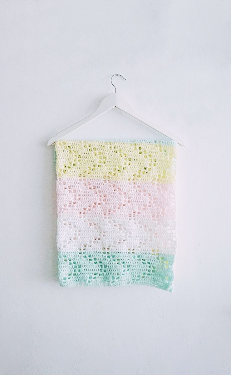 THE HOPSCOTCH CROCHET BABY BLANKET - FREE PATTERN | Manta, Colchas y ...