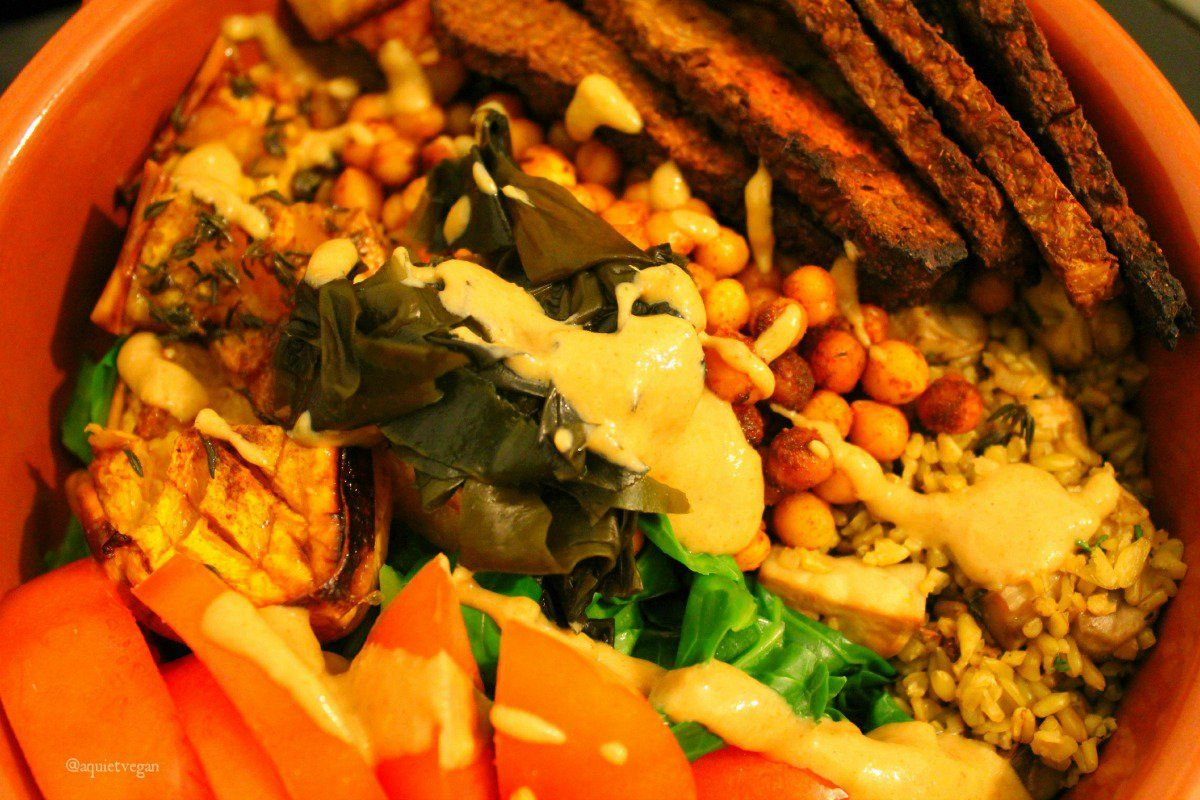 <p>Meal bowls are hot right now; here's how to make yours a hit – all plant-based style!</p>