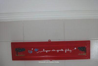 pintura em moldura de porta = quadrinho