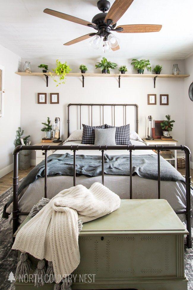 rustic winter guest bedroom decor, decorating a guest bedroom, how to decorate for winter, winter home decor #winterdecor #rusticwinterdecor #homedecor