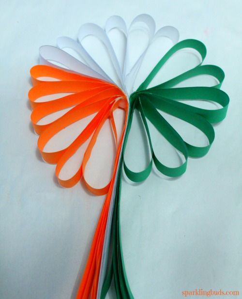 Indian Flag Has 3 Colors Orange White And Green We Made This Tricolor Flower As Part Of Our Indian Republic Day Cr Crafts Paper Flower Crafts Paper Flowers