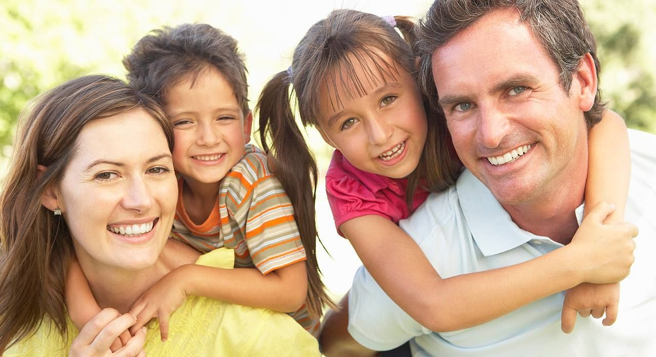 Sparbuch, Aktien, BU-Versicherung: So schaffen Sie sich in jeder Lebensphase ein Polster fürs Alter http://www.focus.de/finanzen/altersvorsorge/sparbuch-aktien-bu-versicherung-so-schaffen-sie-sich-in-jeder-lebenssphase-ein-polster-fuers-alter_id_4282312.html