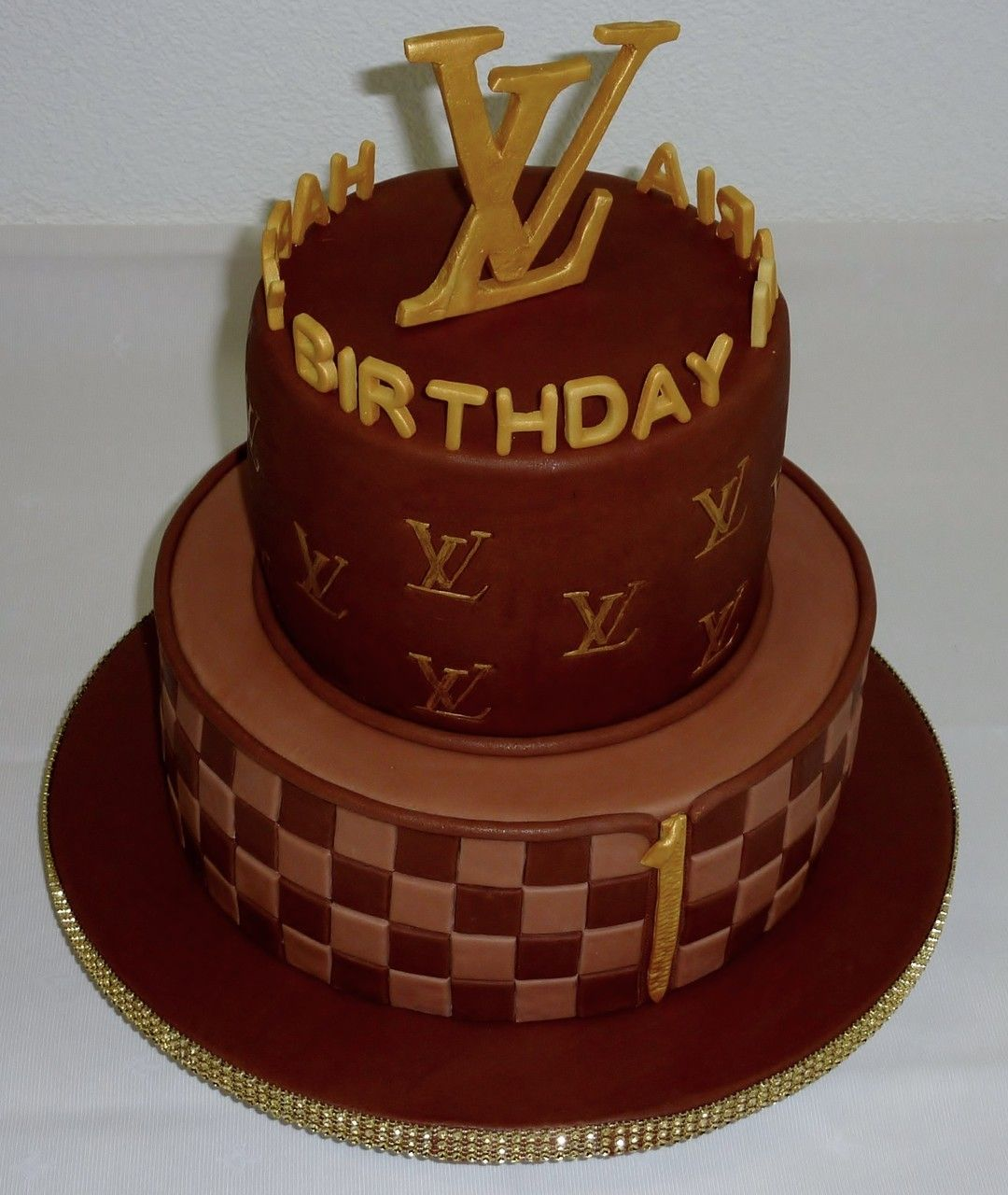 Cake Louis Vuitton Pinterest : Louis Vuitton Cake NOMS/Great recipes. Pinterest ...