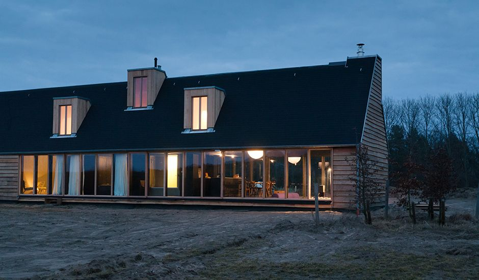 das schwarze haus pinterest schwarzes haus schwarzer und h uschen. Black Bedroom Furniture Sets. Home Design Ideas