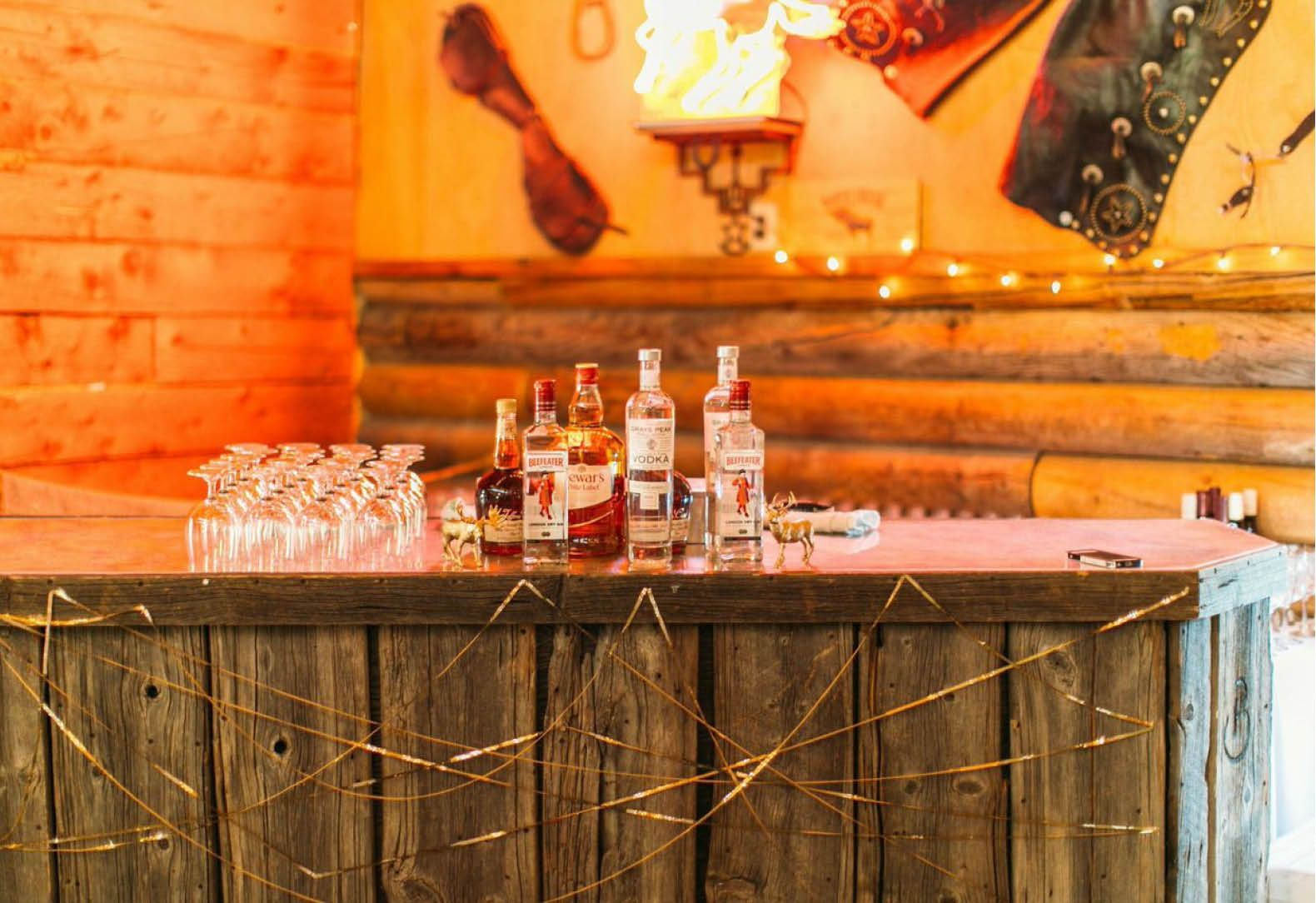 A bluegrass bash at a rustic ranch rustic chic wedding