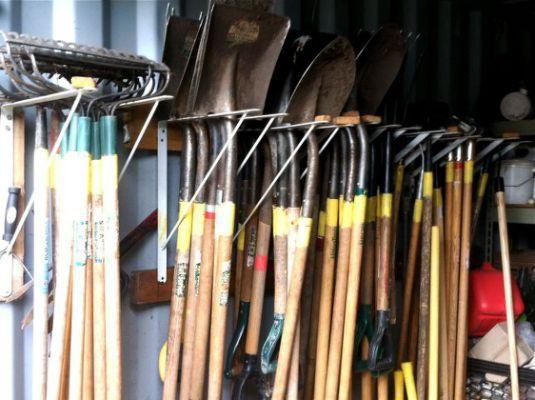 organizing garage tool storage ideas   8x10 shed plans 8x14 lathe   Plans   Garden tool storage ...