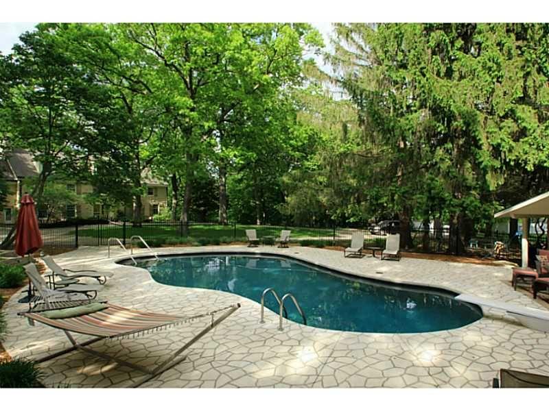 1f6e5e7467b6f546ce84db837f1a206f - Who Owns The Gardens Of Cedar Rapids