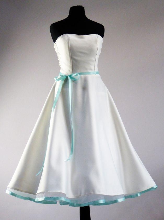 WOW Ein Brautkleid wie aus den 50er Jahren | Satin, Elegant and Vintage
