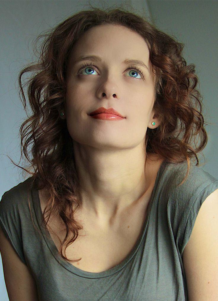 Lara Jean Chorostecki Nude Photos 2