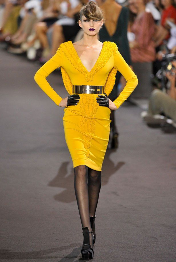 7 tendances à suivre inspirées de la Haute Couture automne-hiver ... a6b484c3db63