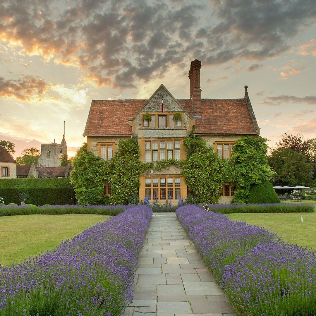 Belmond Le Manoir Aux Quat Saisons In 2020 Train Tour Belmond Oxford Hotel