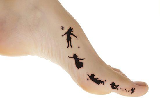 Peter Pan With Wendy And Boys Tattoo On Toe Jpg 550 375 Tatoo Tatuagens Para Homens Tatuagens Novas