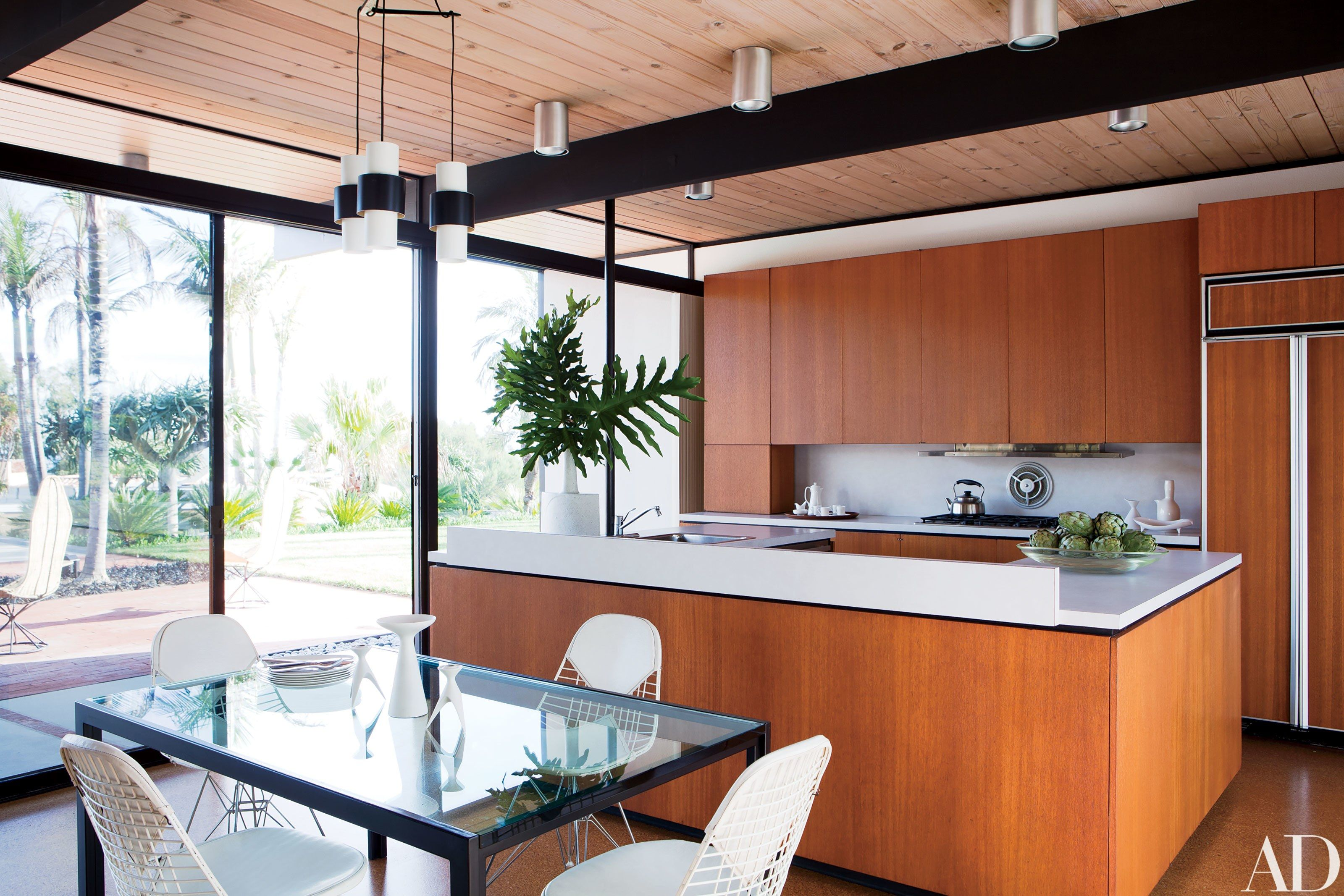 A Malibu Hills Home Is Transformed Into A Modernist Lover S Dream