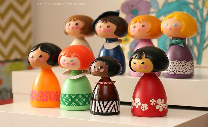 My Vintage It S A Small World Avon Collection Blogged Casa De Munecas Memoria Infancia
