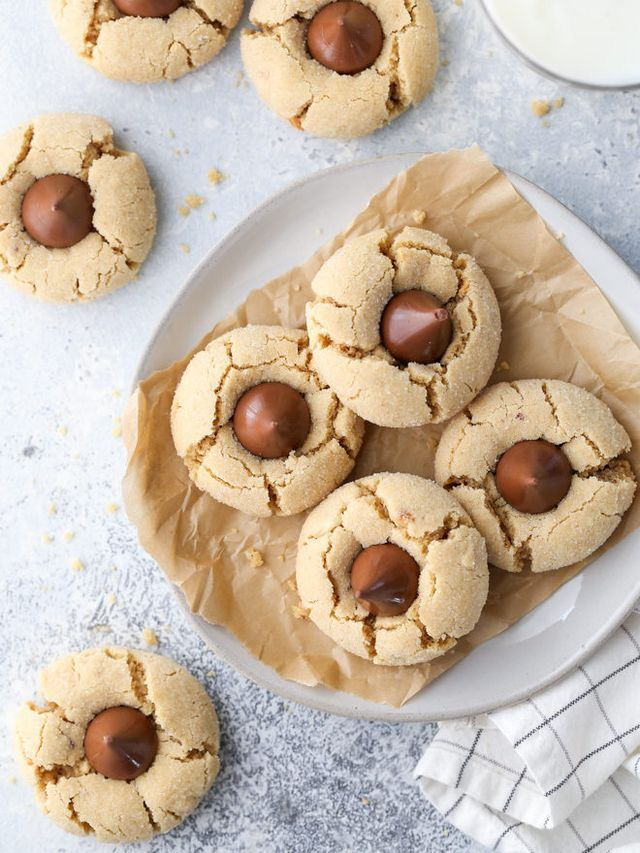 Classic Peanut Butter Blossom Cookies - Completely Delicious