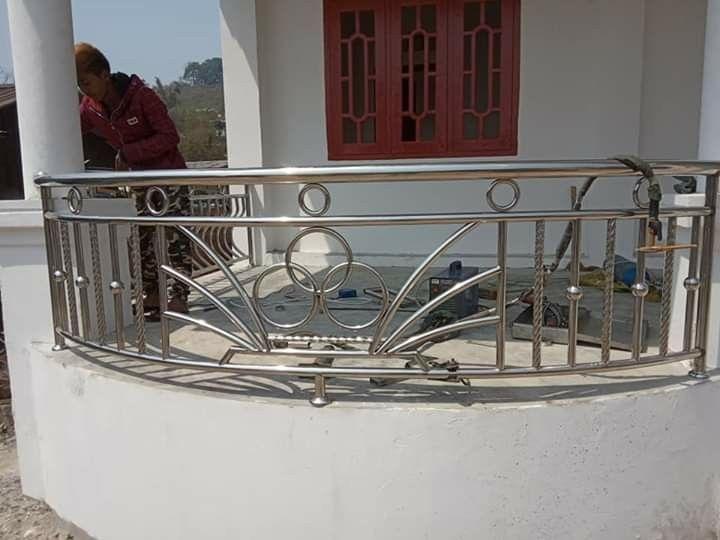 Pin By Javid Vepari On Inox Balcony Railing Design Balcony Grill Design Railing Design