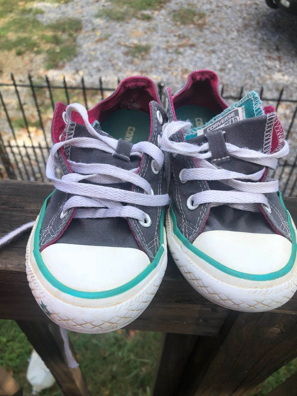 girls converse. Grey pink and blue