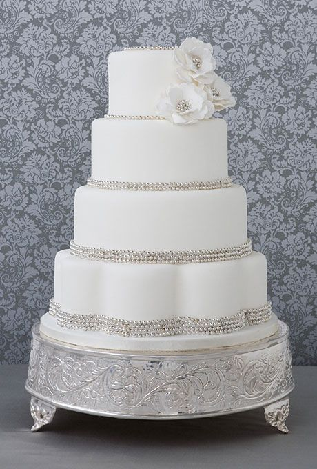 Scalloped Base Wedding Cake Beautiful Belle and Wedding