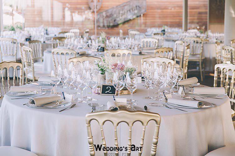 Que os parece la mesa que preparó @love_and_memories para la boda de A&S en @masterrats ?  A nosotros nos encanta!!