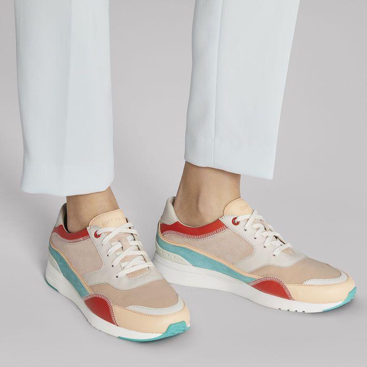 Women's GrandPrø Downtown Sneaker in