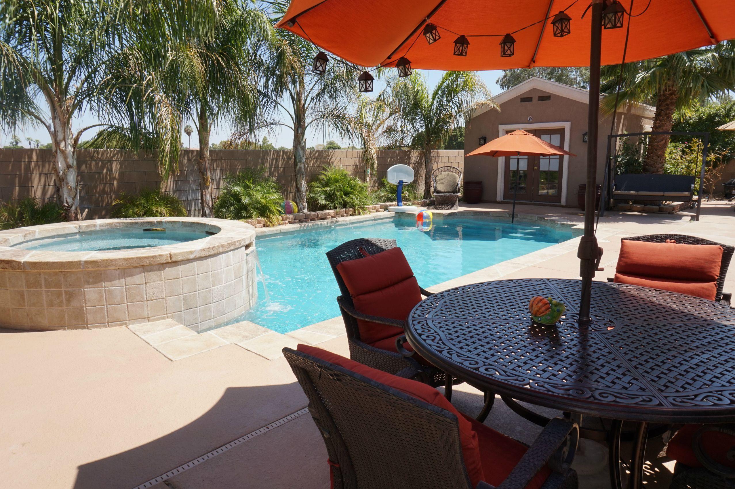 Pool Home For Sale In Indio Ca Backyard Pool Backyard Palm Desert