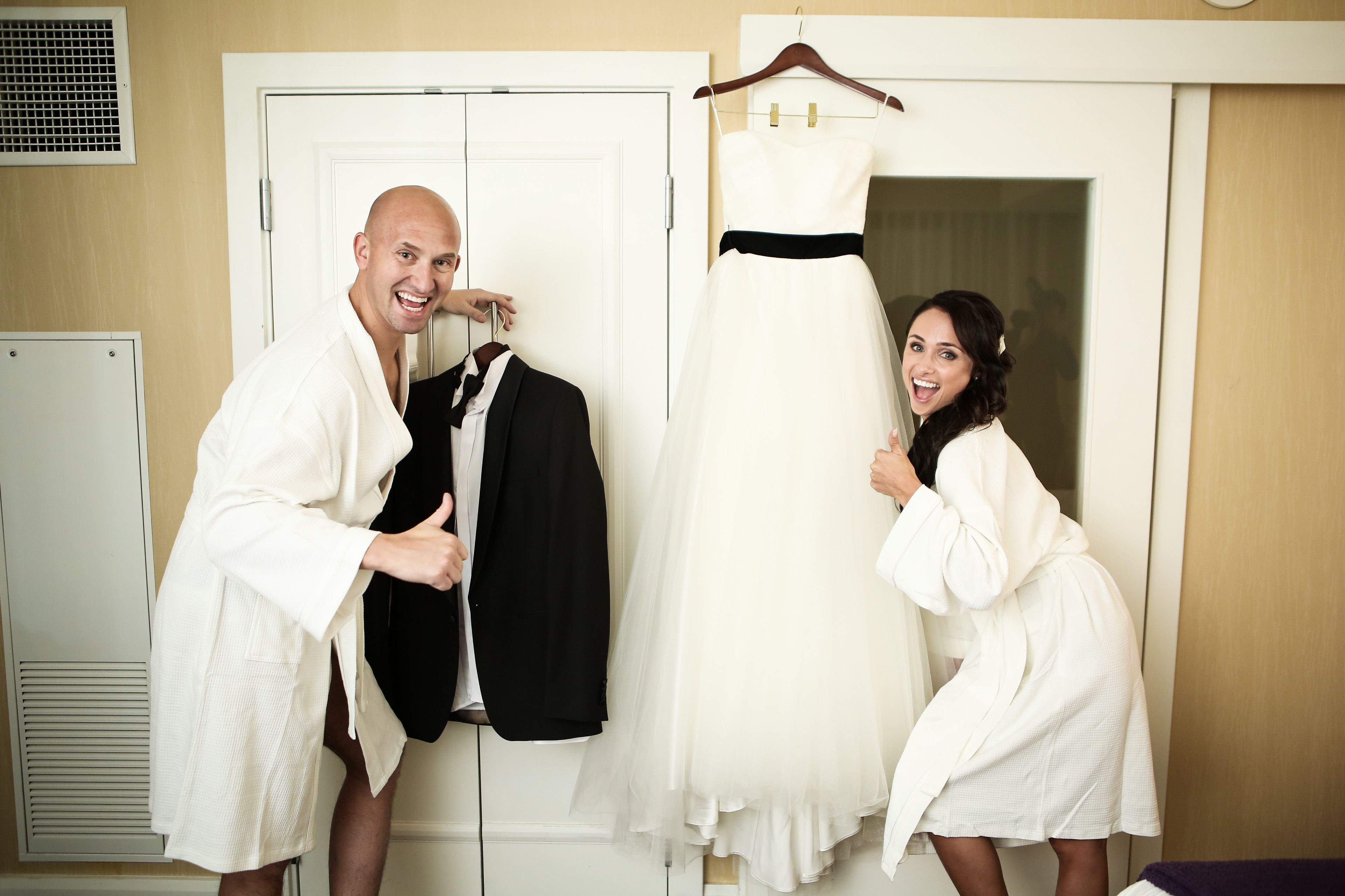 Pre Ceremony Wedding Photo Sessions Are A Great Idea To Capture All The Vegas ChapelsLas