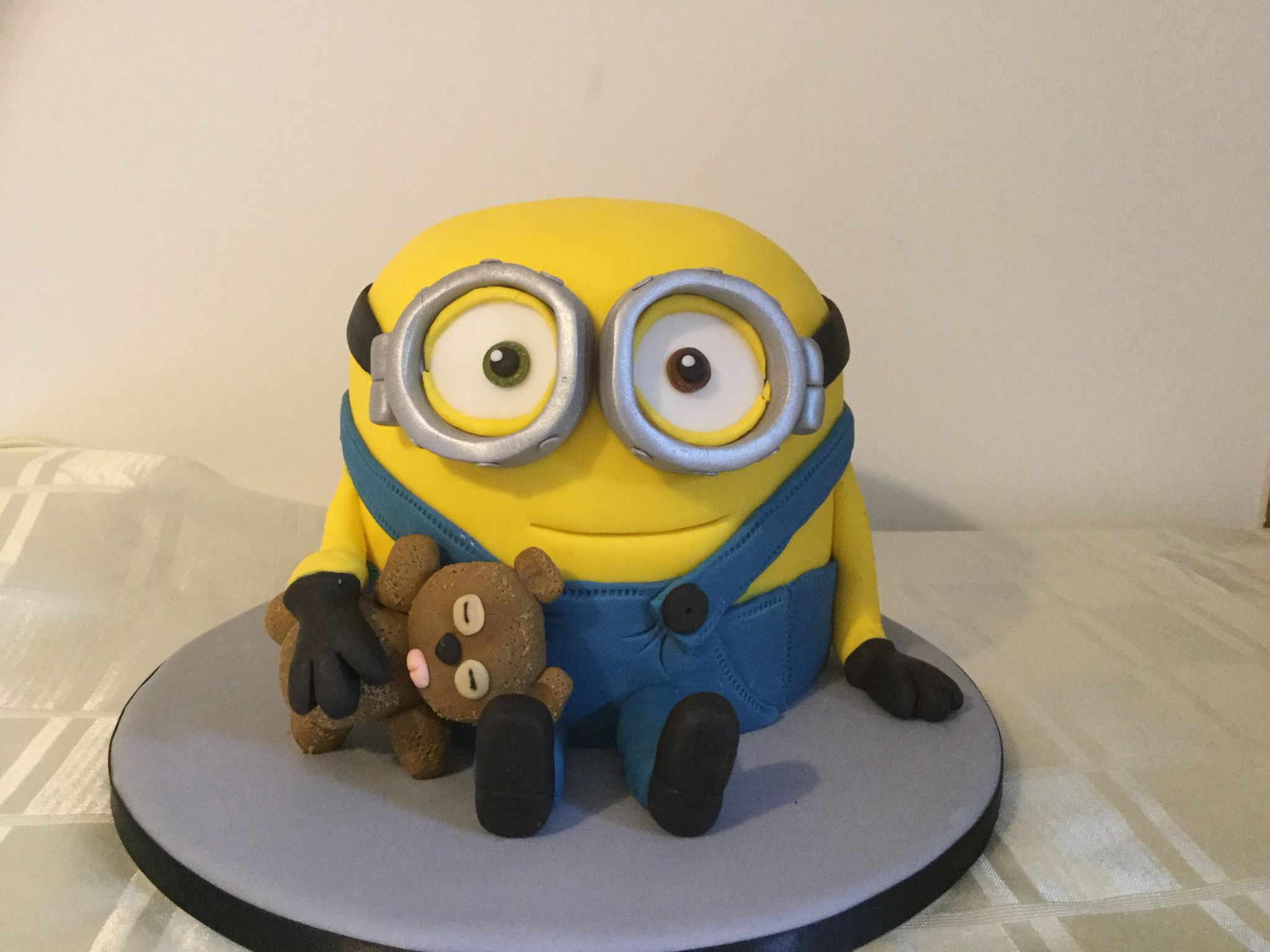 Minion Kuchen Rezept Bob The Minion Cake With His Teddy Torten Minion