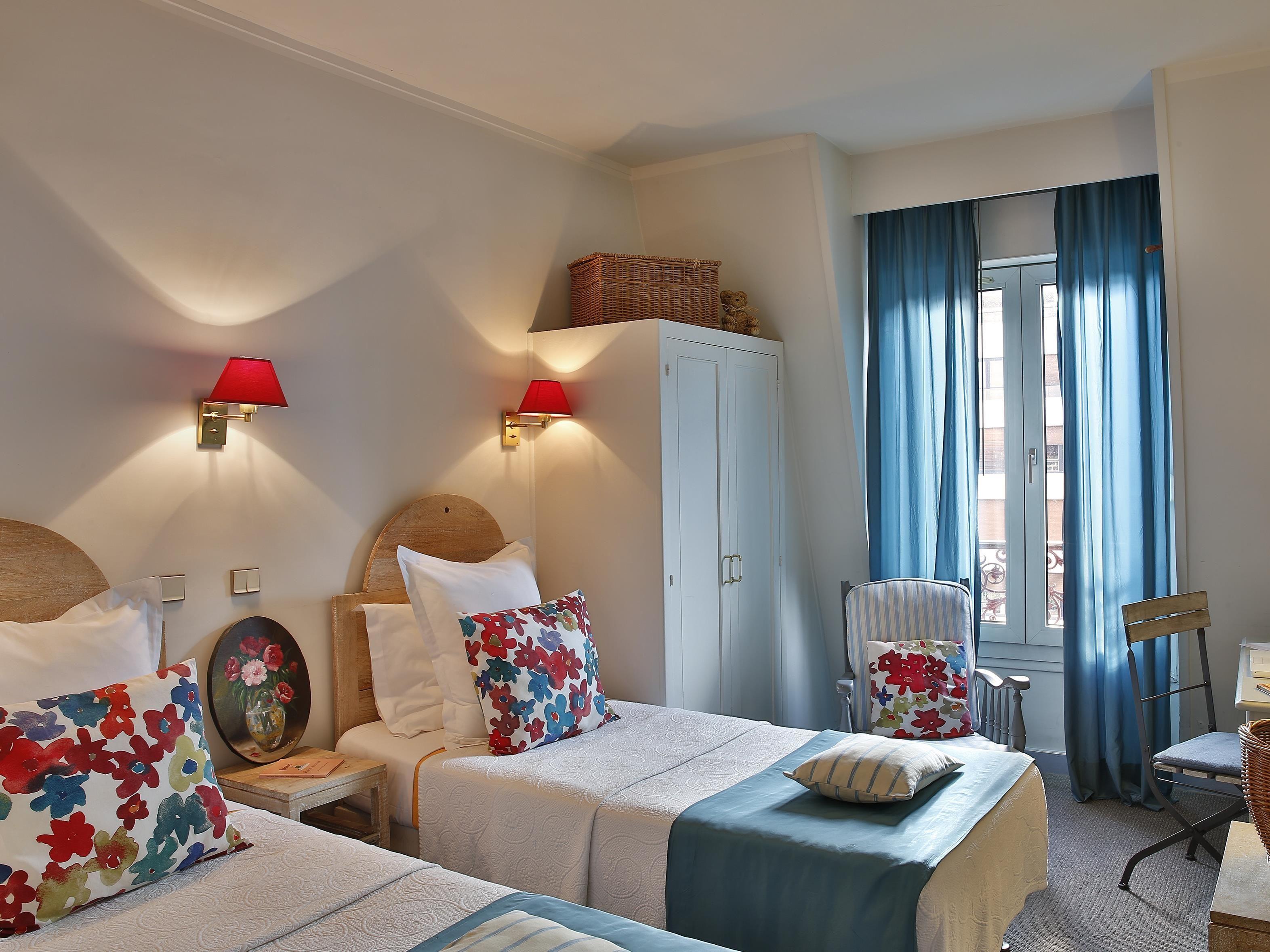 Hotel De La Paix Montparnasse Paris, France