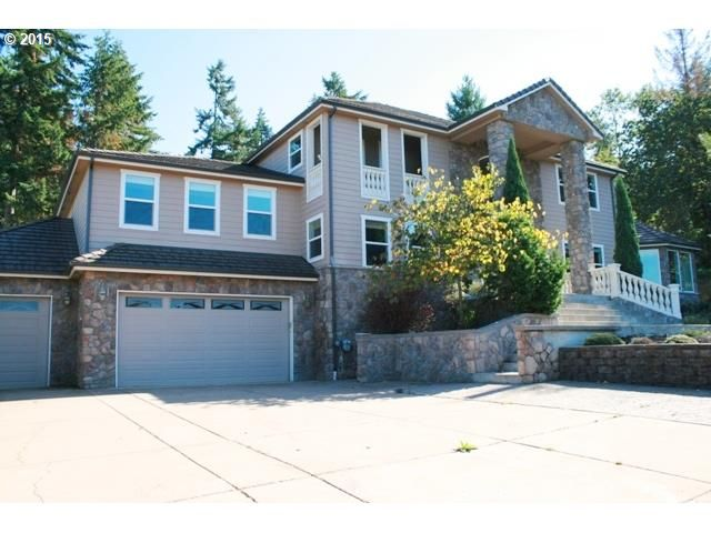 View Listing Details Photos And Virtual Tour Of The Home For Sale At 2975 Summit Terrace Dr Eugene Or At Home Real Estate Listings Real Estate Eugene Oregon