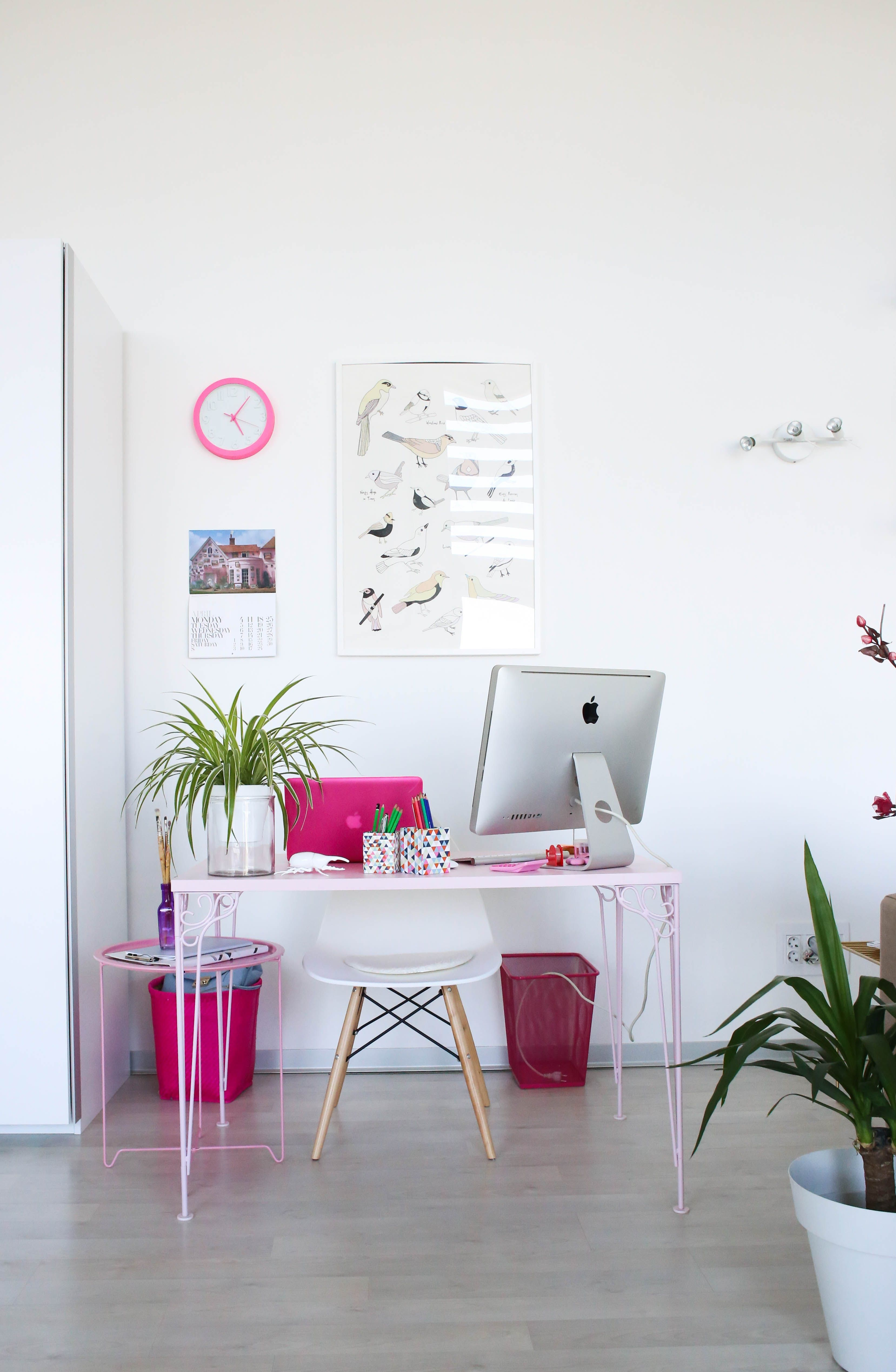 Work Happy and Stay Healthy 4 Reasons Your Desk Needs a Plant