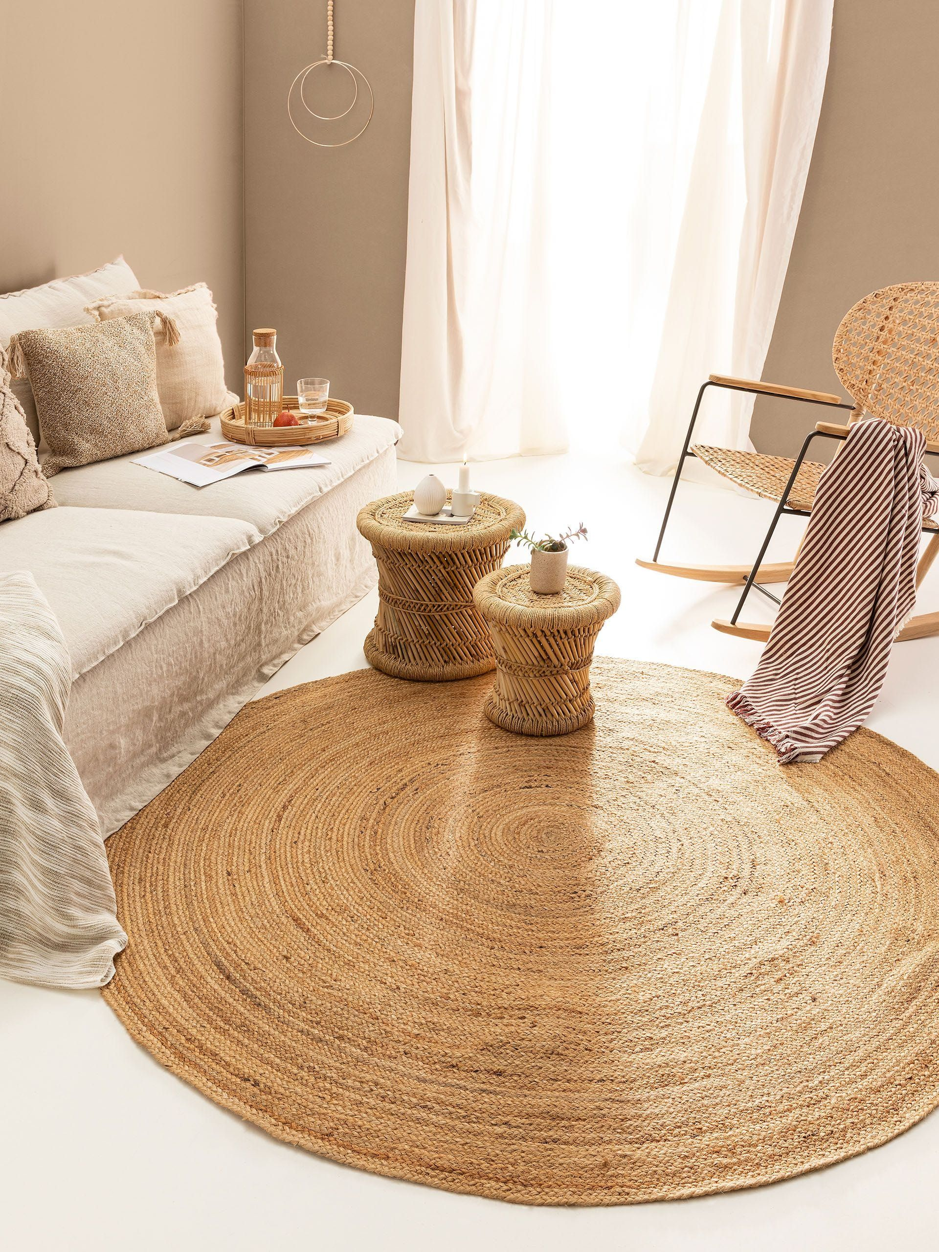 The Hudson Woven Jute Rug S Chunky Natural Texture And Neutral Colors Create A Casual Chic Vibe To Add Your Home Try Layering With One