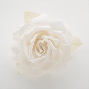 Rose CLOTHILDE sur peigne par MAISON GUILLET sur www.artetfacts.com .