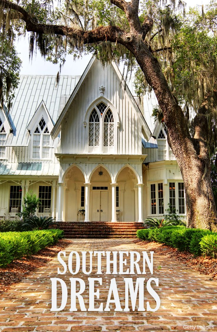 Steeped In Southern Gothic Style The Rose Hill Mansion Is A Perfect Place To Tie The Knot Rose Hill Mansion Mansions House Styles