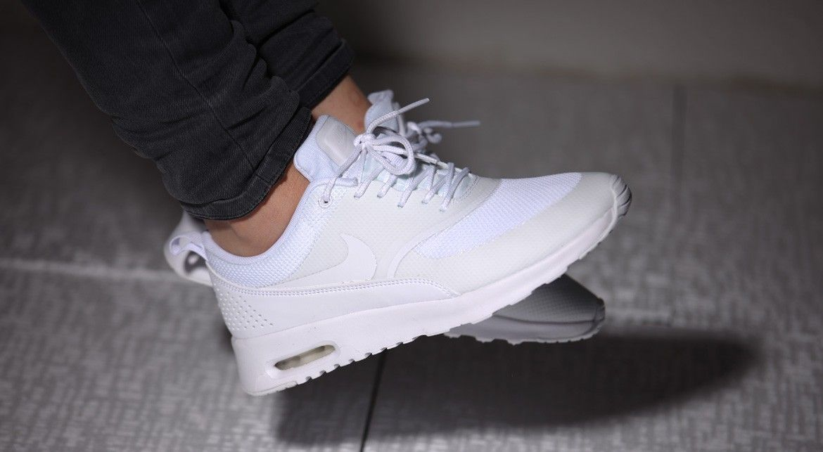 nike air thea white