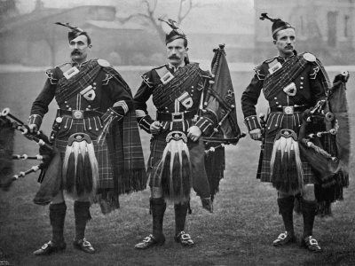 Bagpipes in the WWI Trenches
