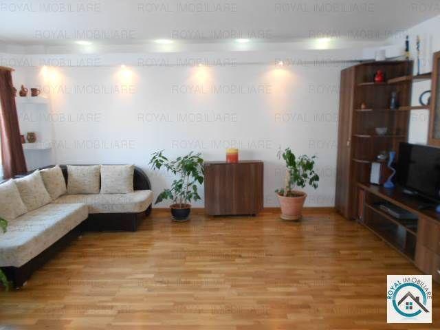 Apartament 3 camere, Zona Ultracentral, suprafata totala 75 mp