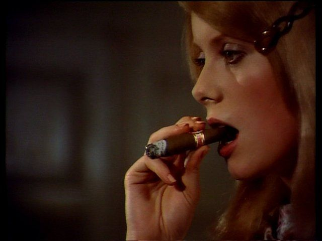 Famous women cigar smokers, desperate housewives sexy scenes