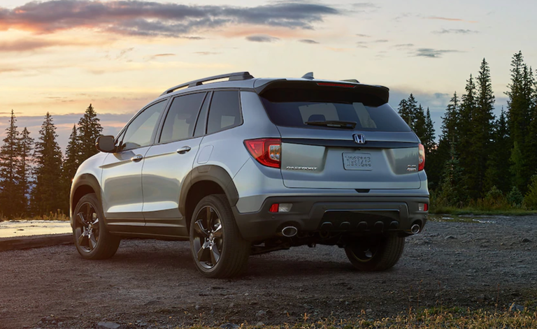 2021 Honda Passport Review Pricing And Specs In 2020 Honda Passport Honda Car Buying Guide