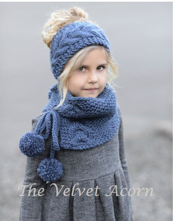 Knitting pattern for The Plumage Set for headwrap and cowl in ...