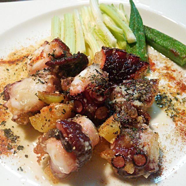付け合わせに、セロリとオクラを使いました(^^) ビールにも白ワインにも、ご飯にもあいますよ(^^)v Molto bono!! Ciao(;_;)/~~~ - 125件のもぐもぐ - 伊太利亜的蛸料理\(^^)/ Italian ocutpus cuisine(^^)v by quita