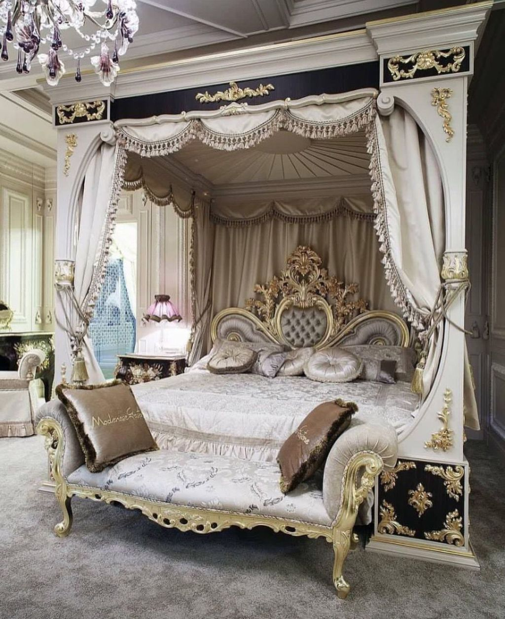 30 Modern Shabby Chic Bed Canopy Designs Ideas Trendhmdcr In 2020 Luxurious Bedrooms Luxury Bedroom Design Chic Living Room