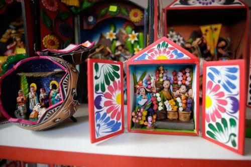 Peru: Exploring the origins of Ayacucho-style retablos | News | ANDINA - Peru News Agency