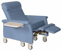 Superieur 6950 Infusion Chairs  Swing Away Arms  450 Lb Weight Capacity