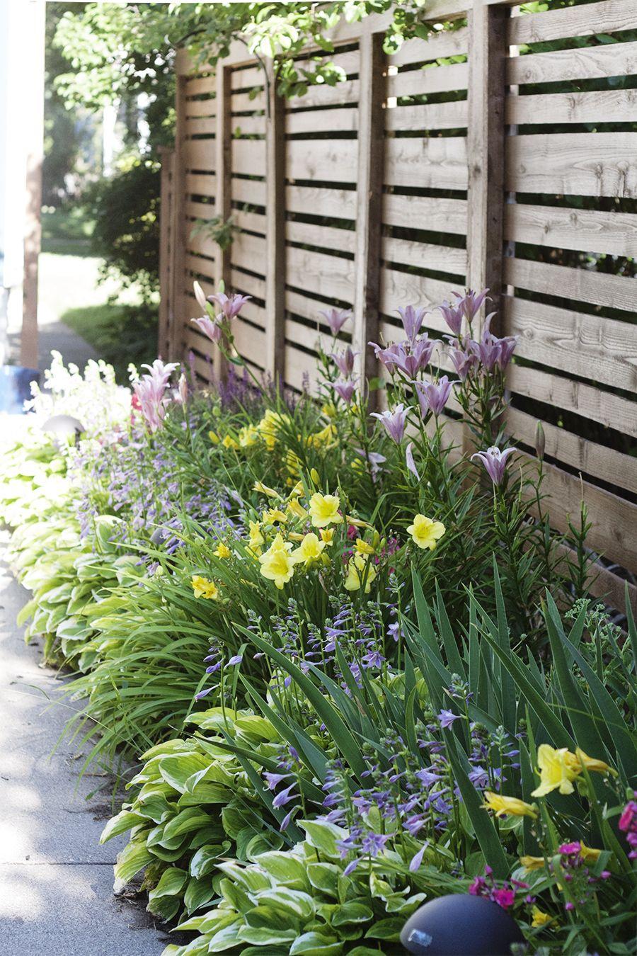 25+ Ideas for Decorating your Garden Fence (DIY) | Flower, Gardens ...