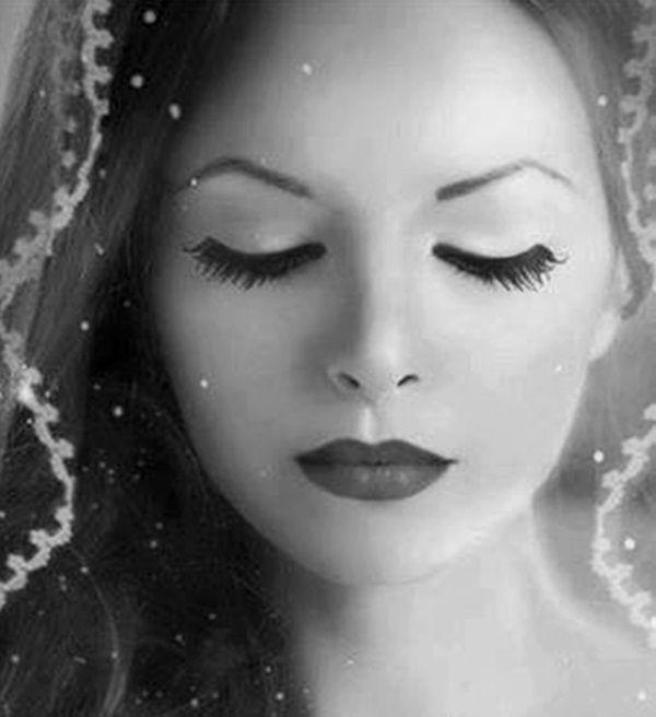"""""""La belleza física termina con los años, pero lo que aprecias con el corazón cada día crece mucho más..."""" ✿⊱╮Mirtha Aguilera"""