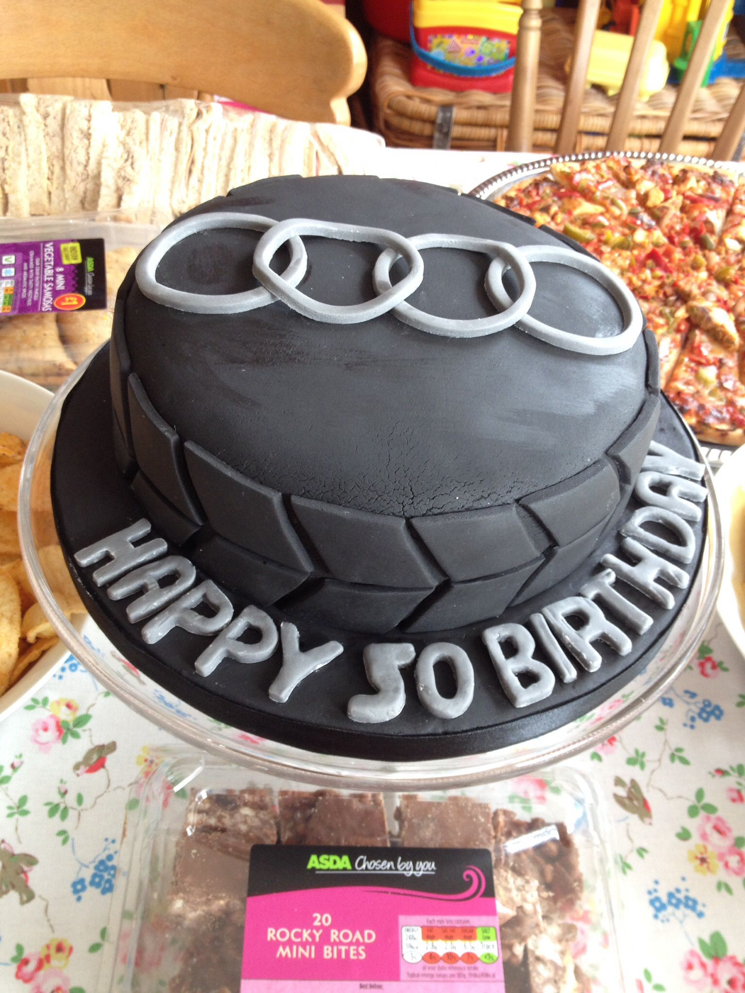 audi cake for 50th birthday torten kuchen backen und torten. Black Bedroom Furniture Sets. Home Design Ideas