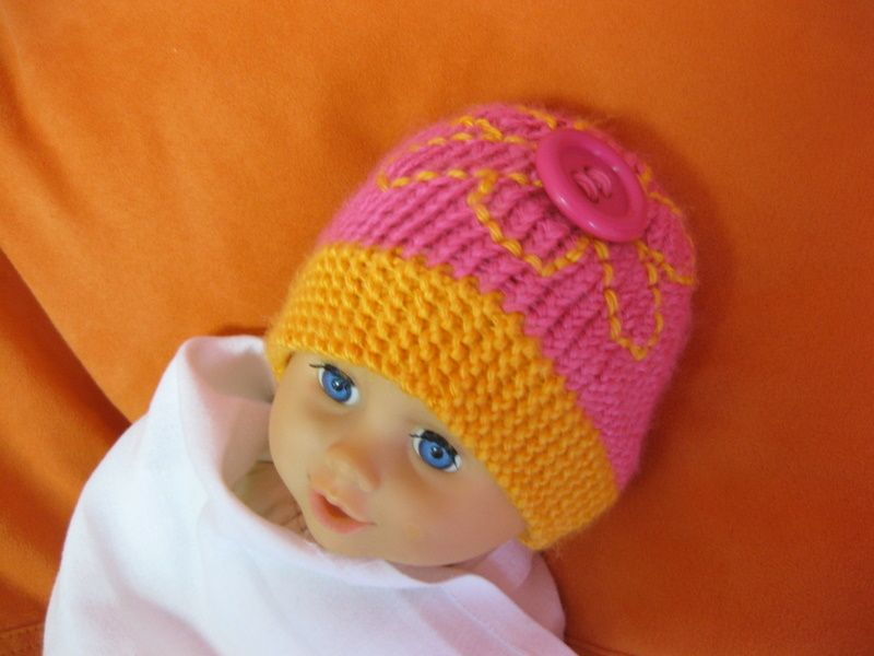 Cute as a Button Preemie Hat | Knitted Baby Gifts | Pinterest | Preemies