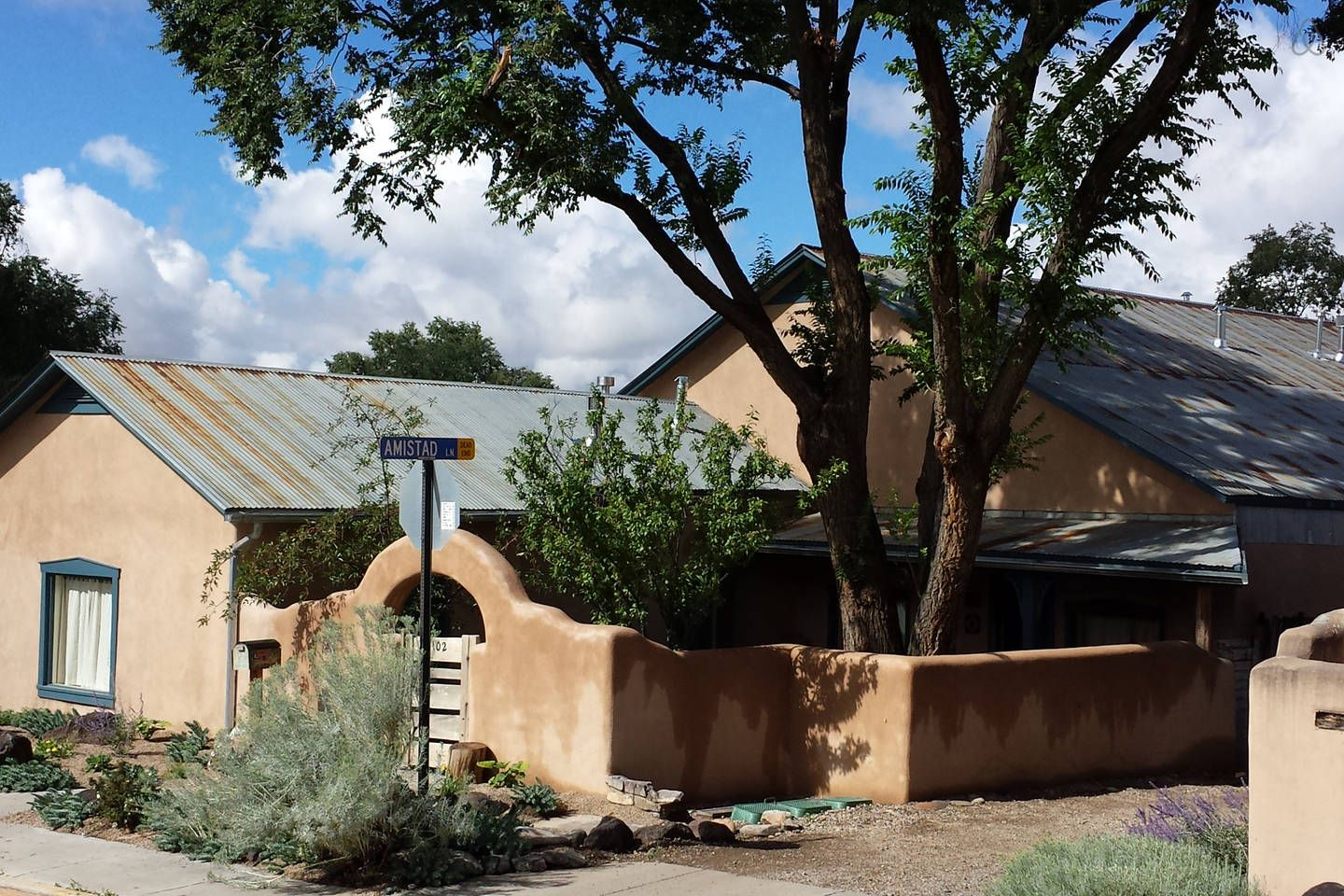 Historic Mill House Apartment 1 Vacation Rental In Taos New Mexico View More Taosnewmexicovacationrentals
