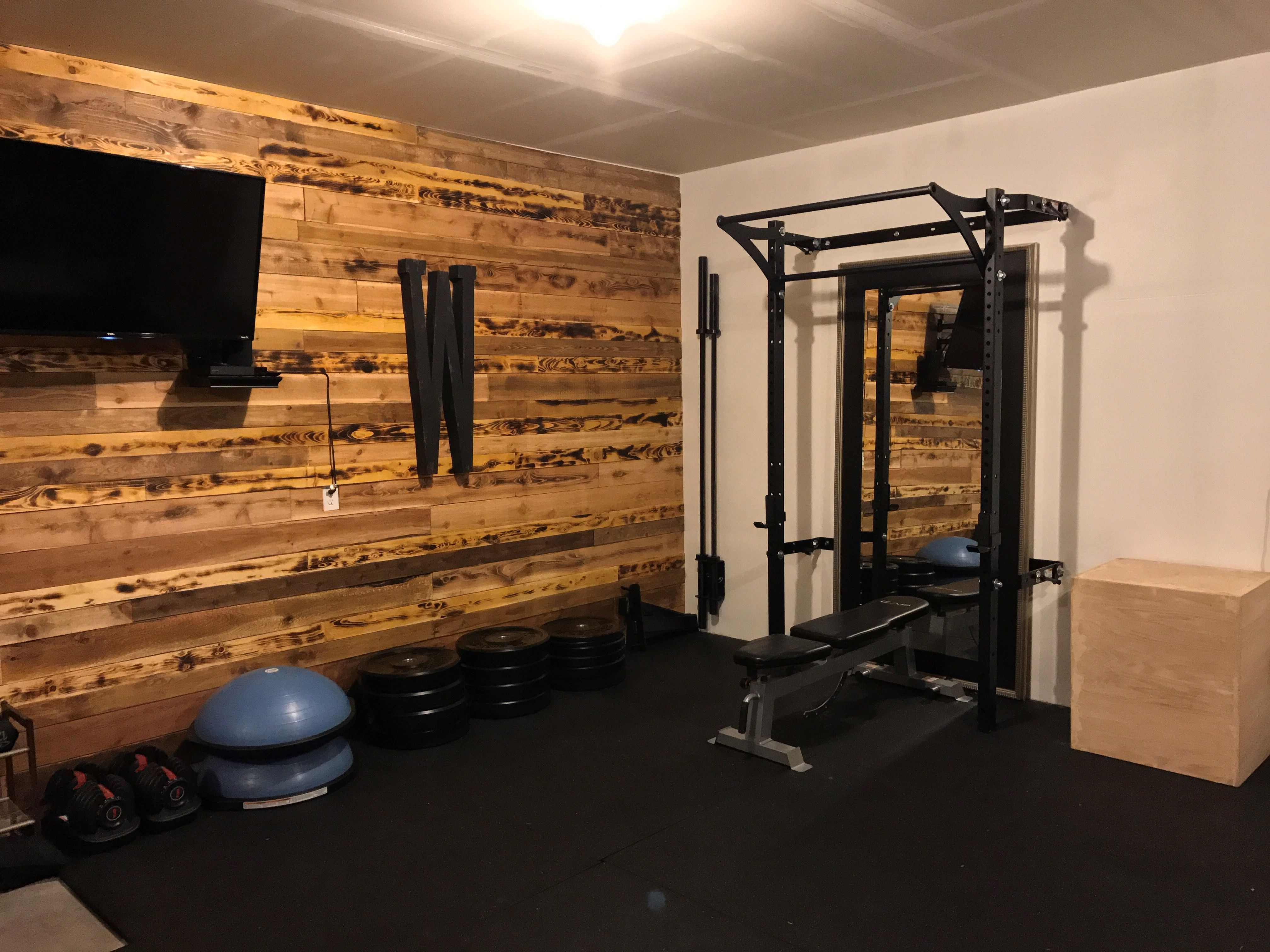 Diy wood wall to shape out the home gym home gym ideas home